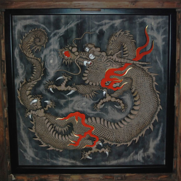 雲龍図(木彫の龍)